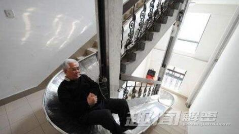 中国老爷子发明火灾逃生滑梯,获得国家发明专利
