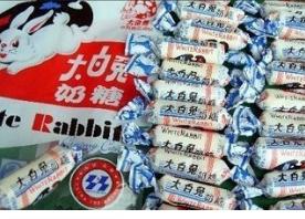 """吃着大白兔奶糖驾着荣威车回家 春节两个上海品牌何以成就""""现象级"""""""